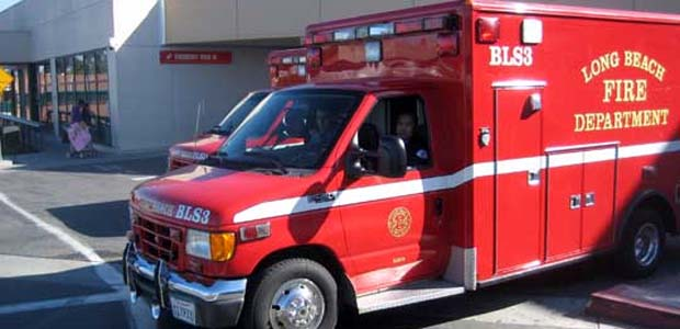 Predawn crash leaves bicyclist seriously injured near 605 Freeway