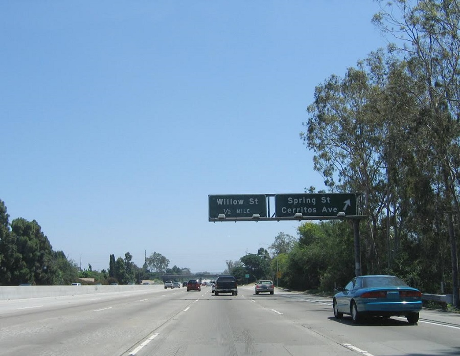 Man Killed in Early New Year's Day Crash on 605 Freeway • Long Beach