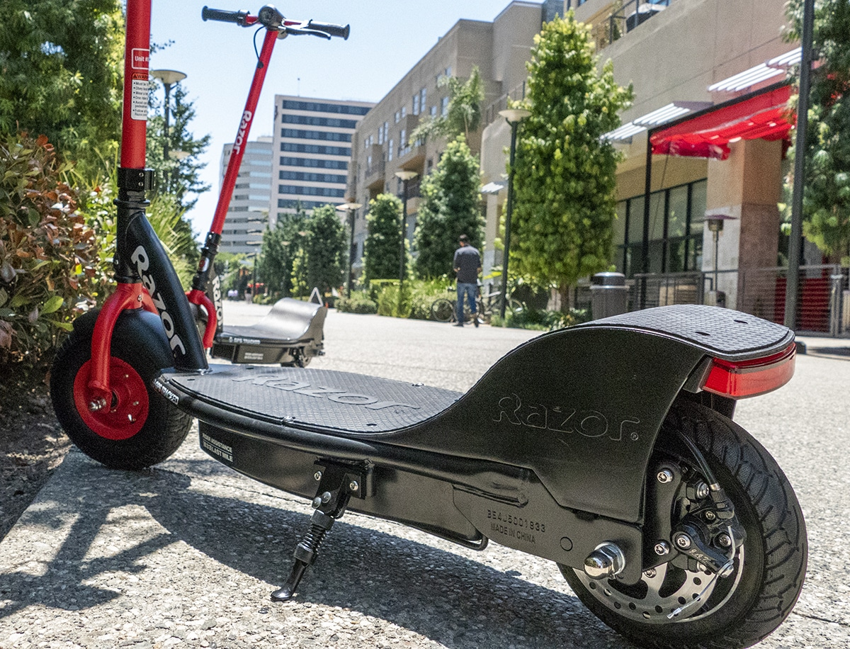 Razor Electric Scooter >> Razor Pulls Electric Scooters For Tracking Upgrades 2 Weeks