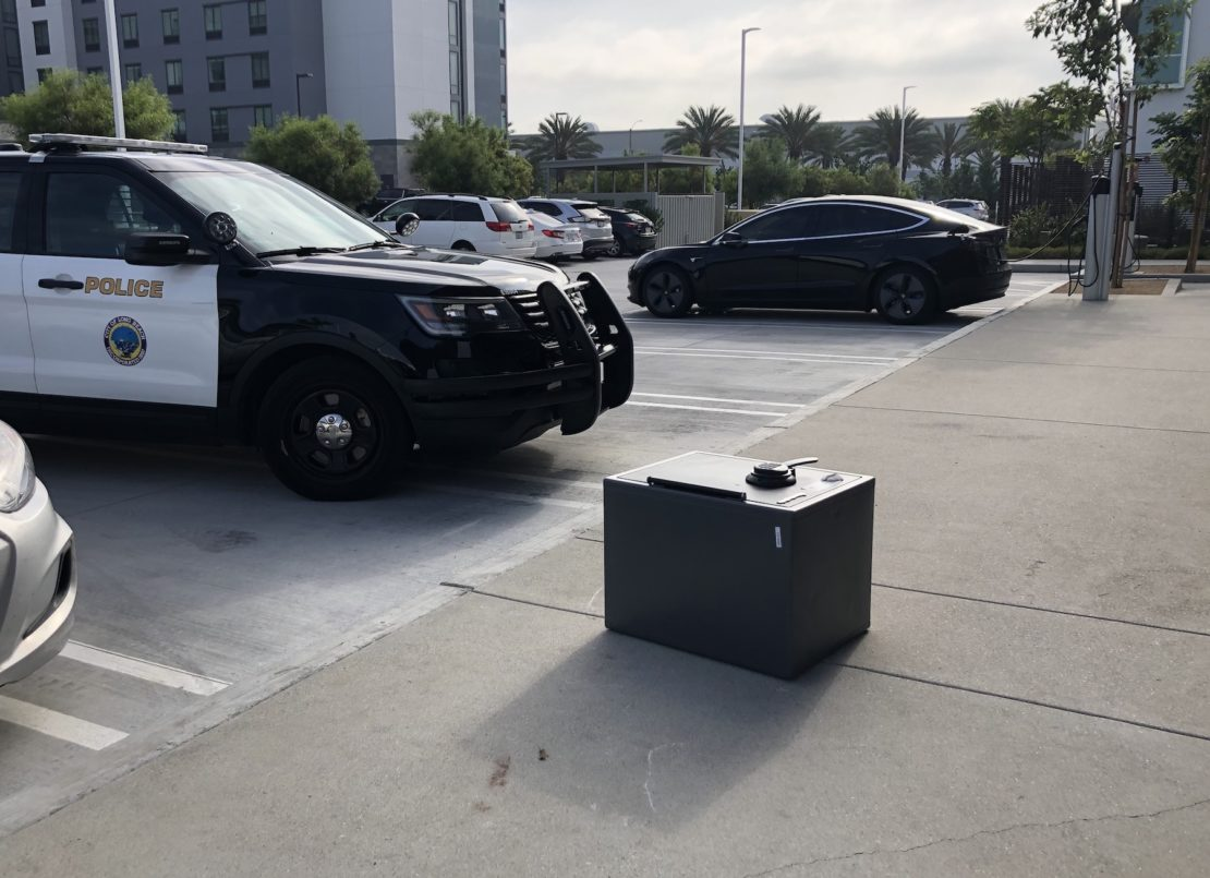 A safe sits outside a credit union that was broken into, Thursday, Aug. 1, 2019. Photo by Jeremiah Dobruck.