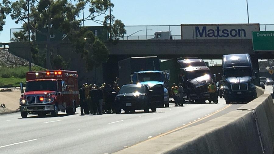 Truck Crash  Freeway Long Beach