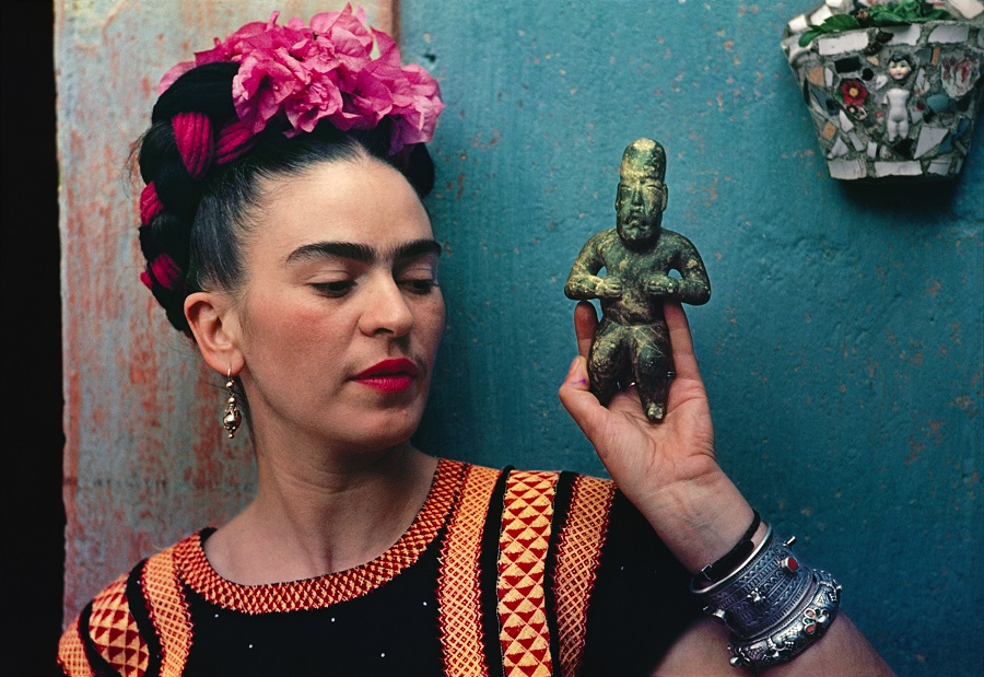 Frida-with-Olmeca-Figurine-Hi-Res