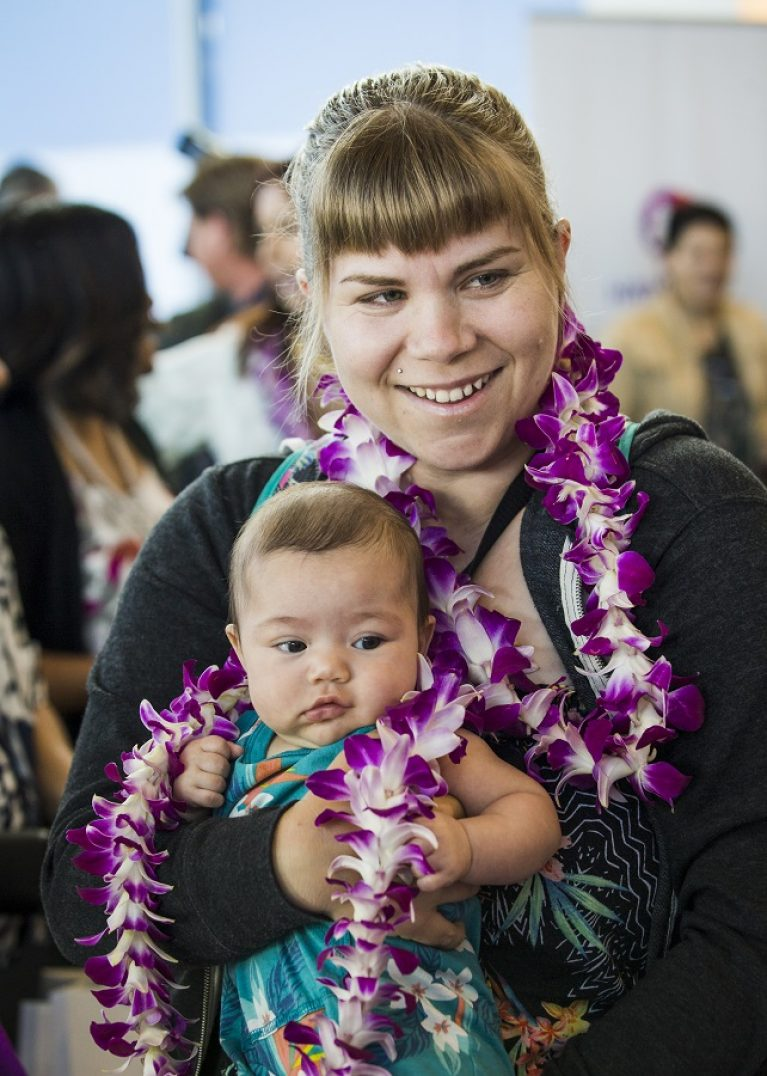 In Pictures Hawaiian Airlines Celebrates New Nonstop Service