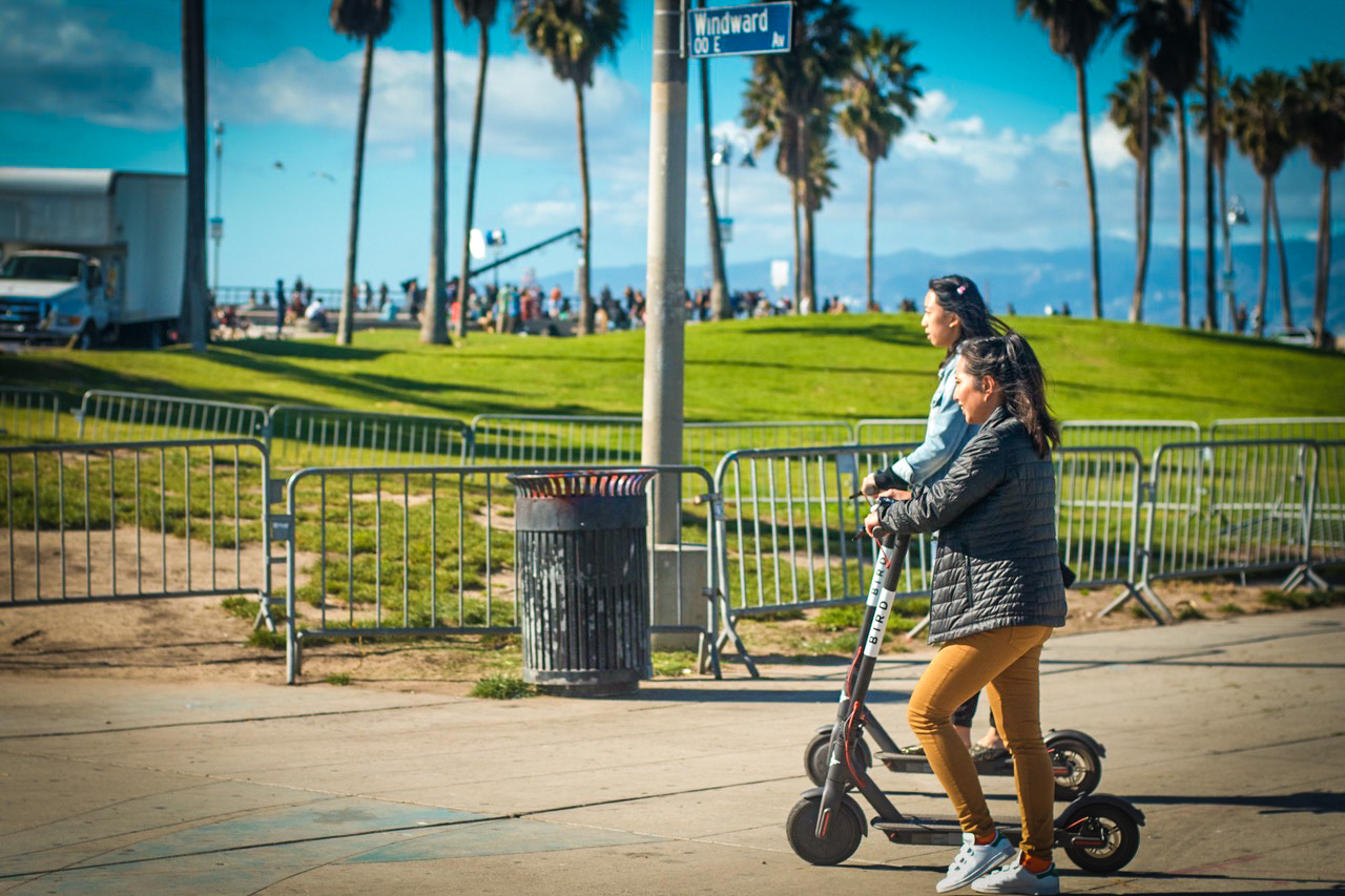 Amid Mive Chaos Over E Scooters Long Beach Actually Does The Right Thing Makes Room For Them