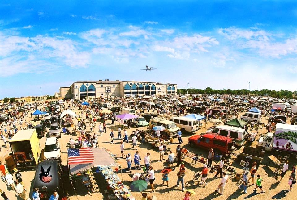 The Long Beach Antique Market Has Been Held On 3rd Sunday Of Each Month At Veterans Stadium Since 1982 Over 800 Ers Spread Out 20