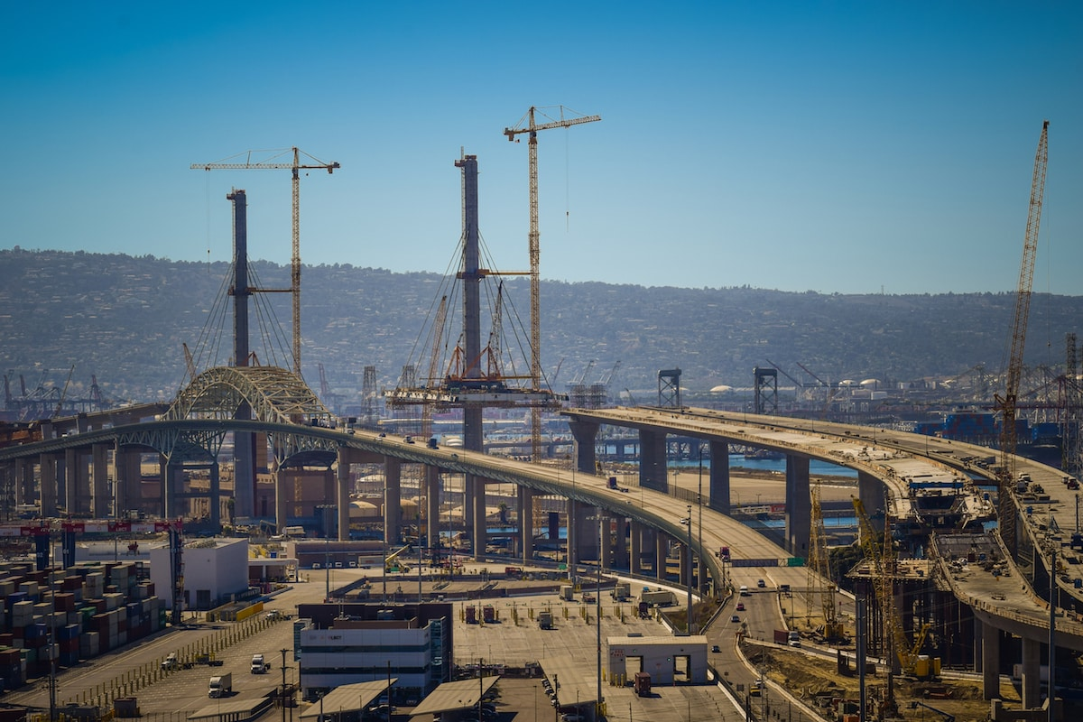 $1 2B Gerald Desmond Bridge reaches for new heights as
