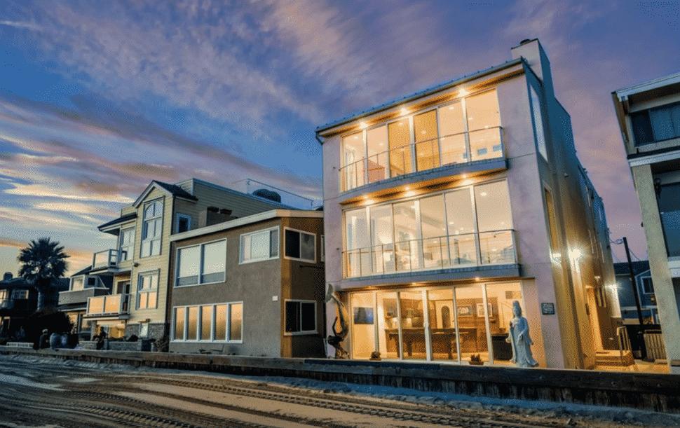 The beach-facing facade of 6519 E. Seaside Walk. Courtesy of Spencer Snyder.